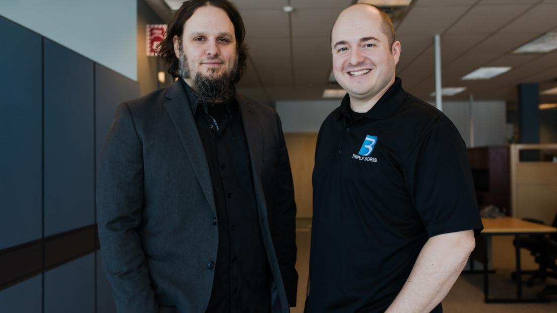 Karl Tremblay et Simon Dansereau, associés et co-créateurs du jeu « Gauche-Droite : Le Manoir »